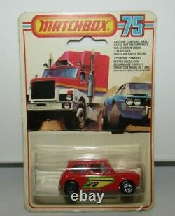 Matchbox Superfast No 29 Racing Mini DOT-DASH Wheels V RARE MIB on Canadian Card